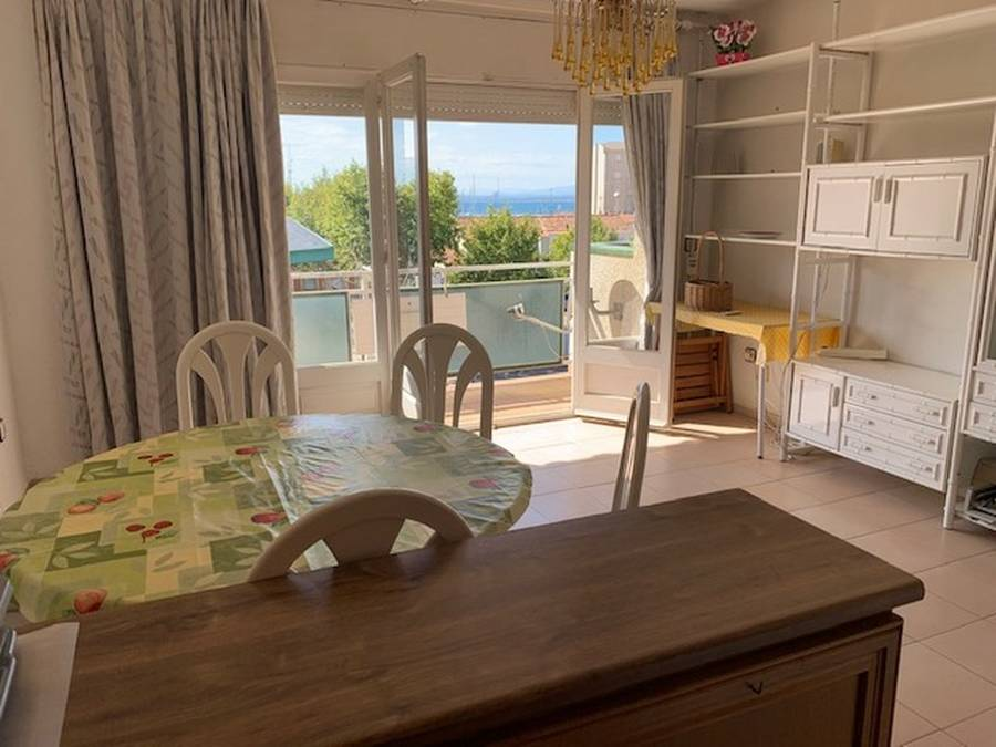 Large apartment in the center of Rosas with a beautiful sea view