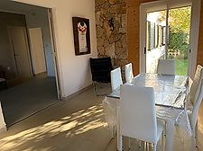Beautiful house on one floor in Garriguella with 3 bedrooms and garage