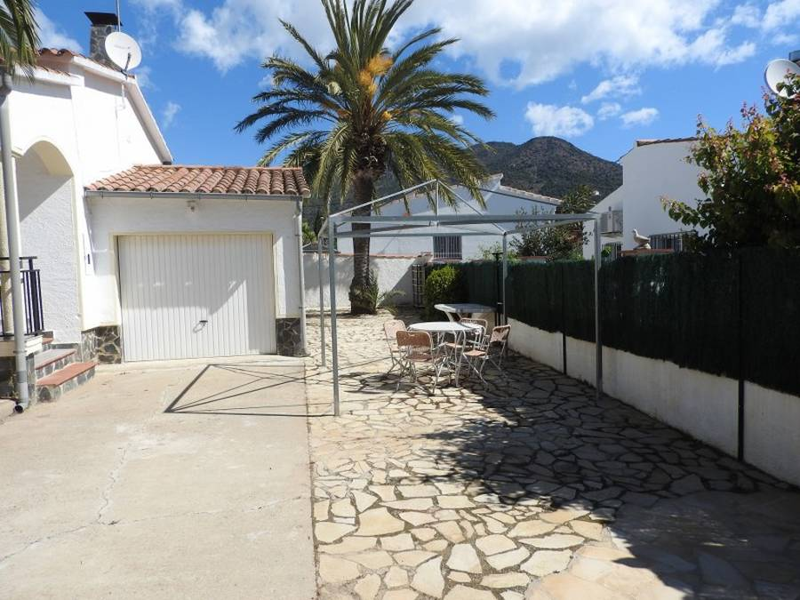 Beautiful house with 2 bedrooms in Mas Boscà, Roses